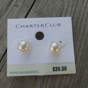 New Classic Pearl Stud  Earrings